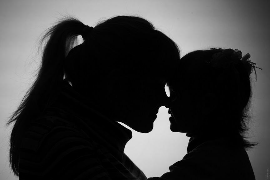 parent-et-enfant-en-deuil